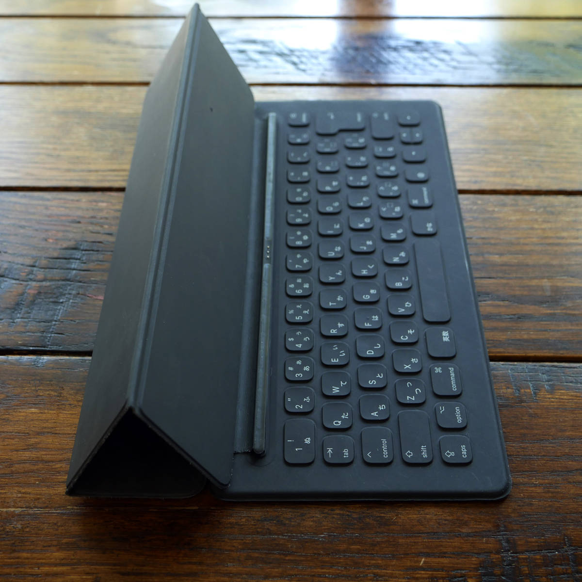 Apple 12.9インチiPad Pro(初代・二代目用) Smart Keyboard - 日本語(JIS)スマートキーボード