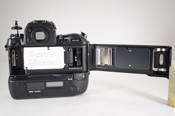 未使用 Nikon ニコン F5 オートフォーカス 一眼レフ フィルム カメラ ボディ 元箱 取説 付属品付 DAI-1107_画像7