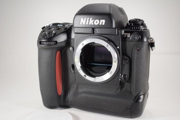 未使用 Nikon ニコン F5 オートフォーカス 一眼レフ フィルム カメラ ボディ 元箱 取説 付属品付 DAI-1107_画像2