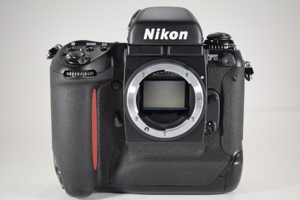未使用 Nikon ニコン F5 オートフォーカス 一眼レフ フィルム カメラ ボディ 元箱 取説 付属品付 DAI-1107_画像3