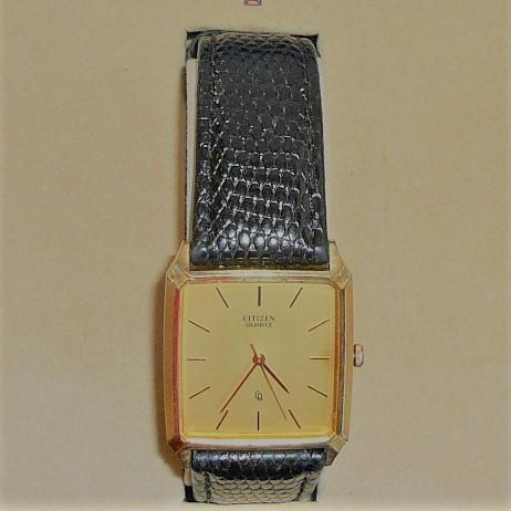 W2)処分価格 即決送料不要 シチズン クオーツ腕時計 ゴールド_画像3
