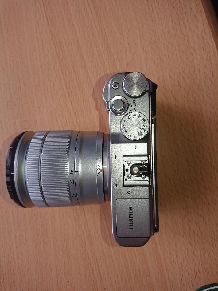 ★X-A3+ FUJIFILM XC16-50mmF3.5-5.6 OIS II レンズキット中古 送料無料★_画像2