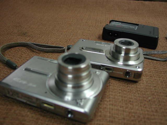 CASIO デジタルカメラ EXILIM CARD EX-S600/EX-S100スパークルーシルバー2台 動作品_画像4