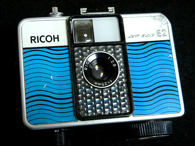 232 試写済 リコー オートハーフ E2 ラインブルー ricoh autohalf e2 昭和レトロ auto half vintage half frame camera_画像2