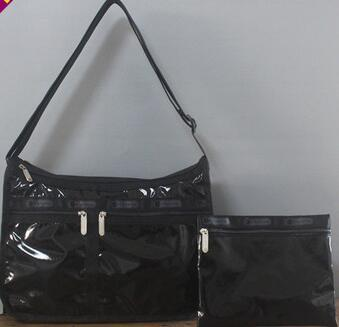 man and woman use BAG * pretty shoulder bag Le Sportsac pouch attaching lustre