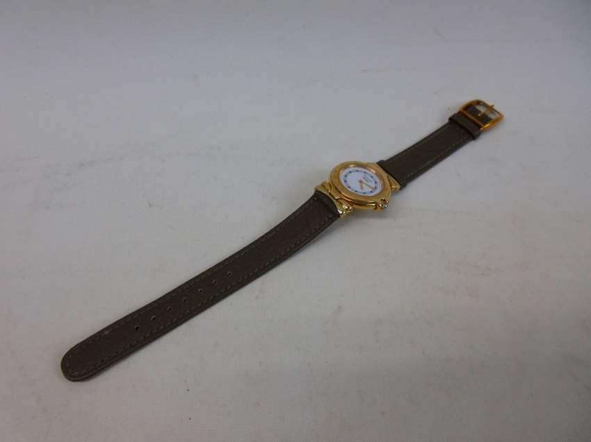●【Tabbah】タバー レディース クオーツ 腕時計 ゴールド・ホワイト 動作品●B6292_画像5