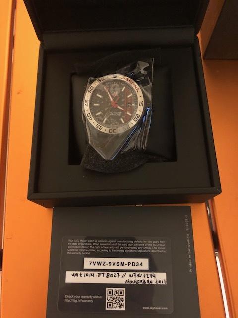 タグ・ホイヤー メンズ腕時計 フォーミュラー1アイルトン・セナエディション WAZ1014.FT8027 キタムラで購入2019年3月 新品未使用_画像3
