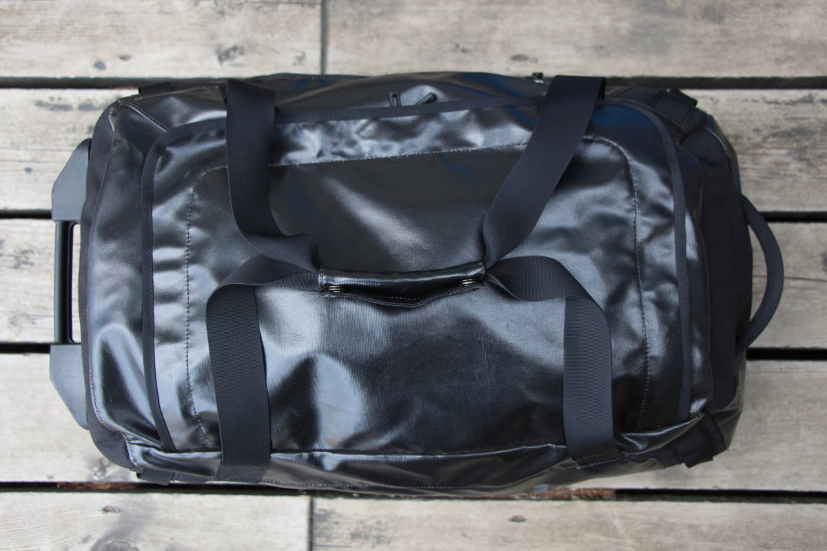 美品 PATAGONIA パタゴニア キャリー バッグ トローリー 旅行用 ブラックホール ウィールド ダッフル 45 アウトドア キャンプ スノーボード_画像6