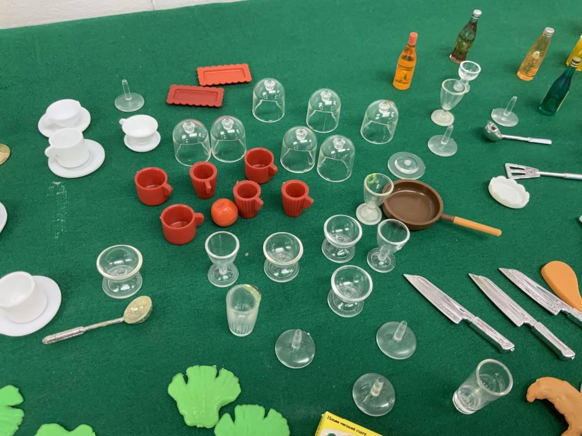 ◎ ミニチュアセット 大量 154個 コーヒーカップ、瓶、カップ、フルーツ、ハンバーグ 他_画像10