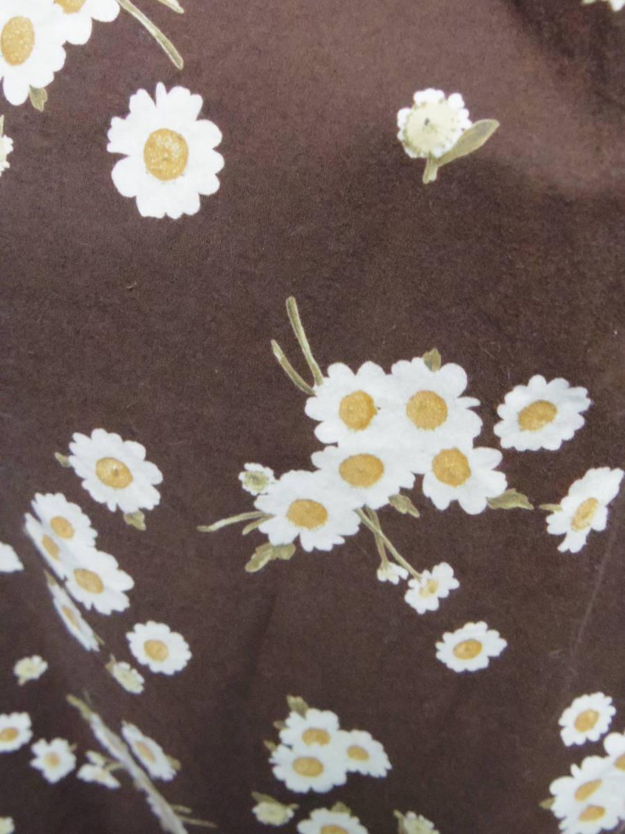 ピンクハウス PINKHOUSE  綿100% ブラウンベース 白い小花のプリント ロングフレアースカート 中古_画像5