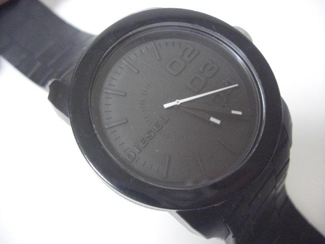 ★ディーゼル DIESEL DZ-1437 クォーツ腕時計 ラバーベルト 中古★に132_画像2