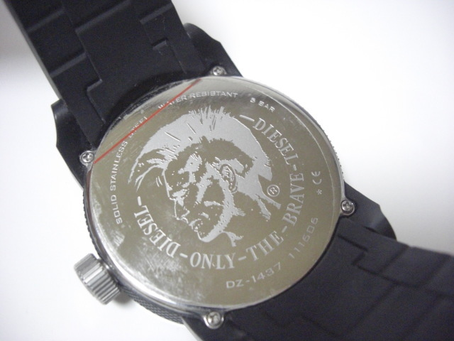 ★ディーゼル DIESEL DZ-1437 クォーツ腕時計 ラバーベルト 中古★に132_画像5
