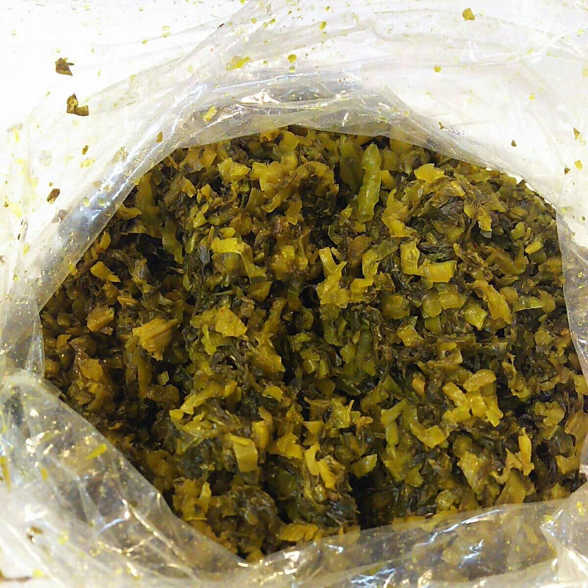 国産きざみ高菜2.3キロ一袋。高菜のしょうゆ漬けをきざんでます。漬けもの、高菜チャ-ハンにどうぞ!