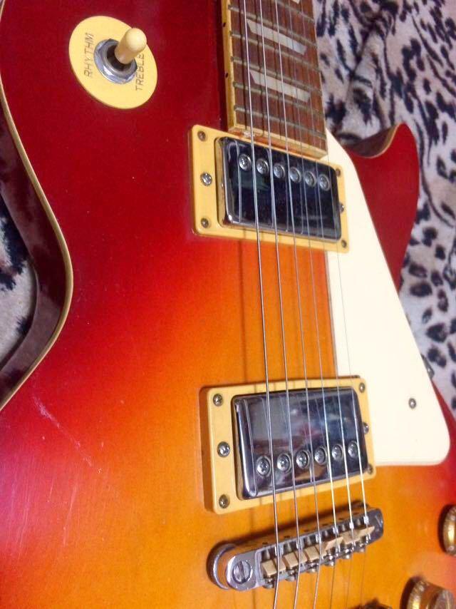 レスポールタイプのエレキギター_画像4