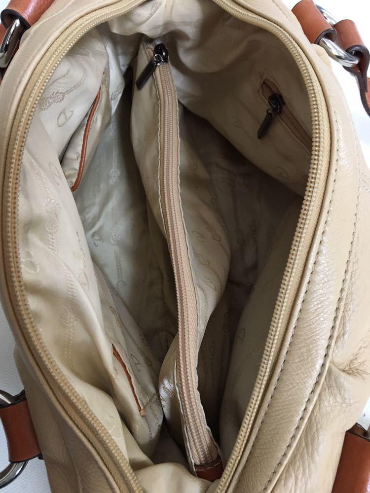 【美品】Dissona ディソーナ イタリア製本革ハンドバッグ ベージュ お洒落 肩掛け可 底鋲有 良質 激安!_画像7