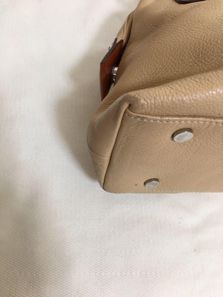 【美品】Dissona ディソーナ イタリア製本革ハンドバッグ ベージュ お洒落 肩掛け可 底鋲有 良質 激安!_画像9