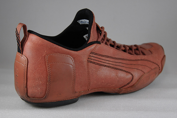 ゴツくてしっかりとした印象の靴です
