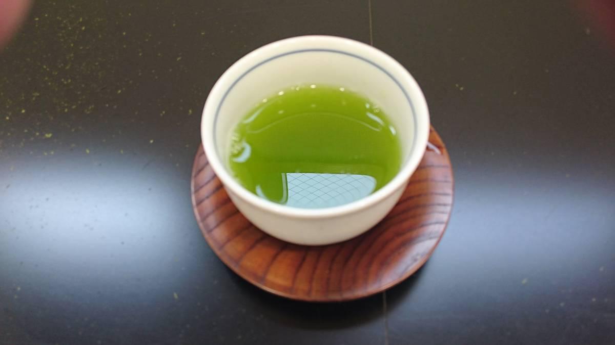 【鹿児島知覧茶】熟成さえみどり煎茶100g6袋入り★★渋みの少ないまろやかな味わい★_鮮やかな濃い緑の水色が特徴のさえみどり。
