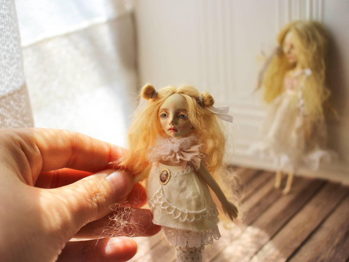 ★moloco dolls★ 小さなお人形 4月の女の子ドール No.1 BOX付き_画像5