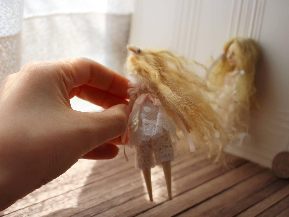 ★moloco dolls★ 小さなお人形 4月の女の子ドール No.1 BOX付き_画像7