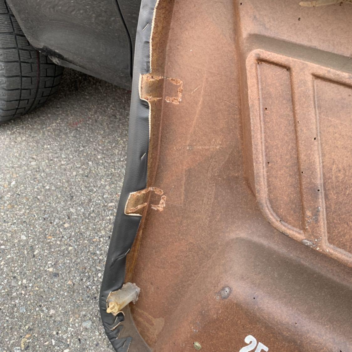 HR31 R31 スカイライン 2ドア GTS-R 右側 ドア内張り 穴あけ有り 限定車 ニスモ仕様_台座2ヶ所欠品
