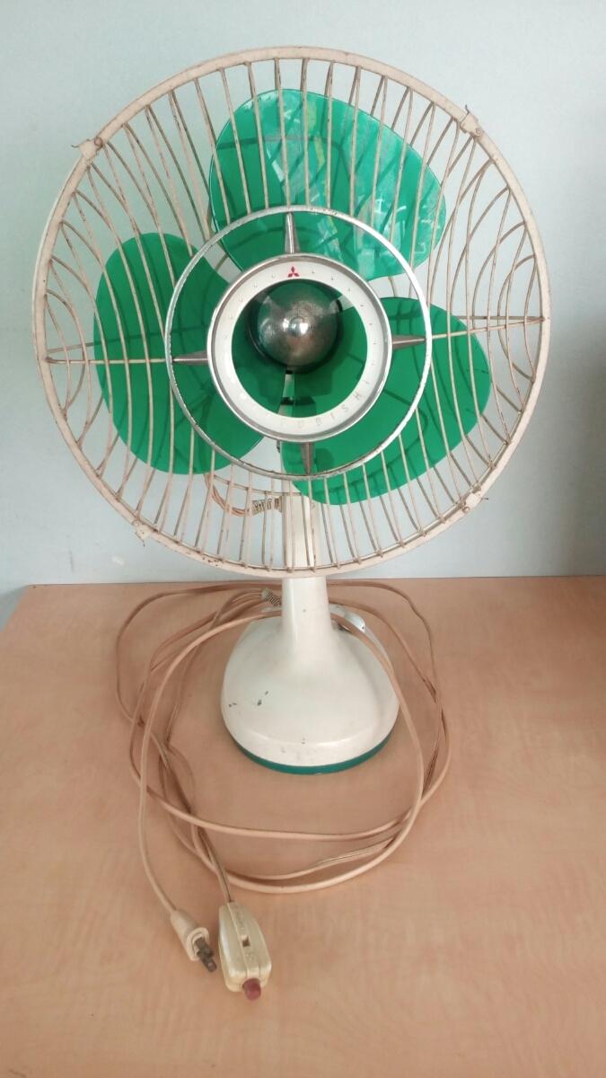 三菱 扇風機 稼働品 昭和レトロ レトロ扇風機 MITSUBISHI アンティーク インテリア 三枚羽 グリーン 首振り コレクション
