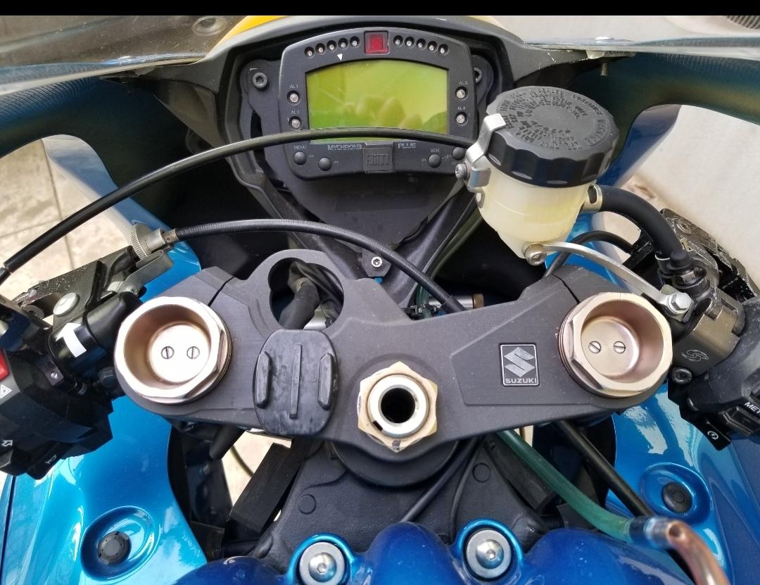 GSX-R1000レースベース車 全日本JSB参戦車両 スペアパーツセット_画像6