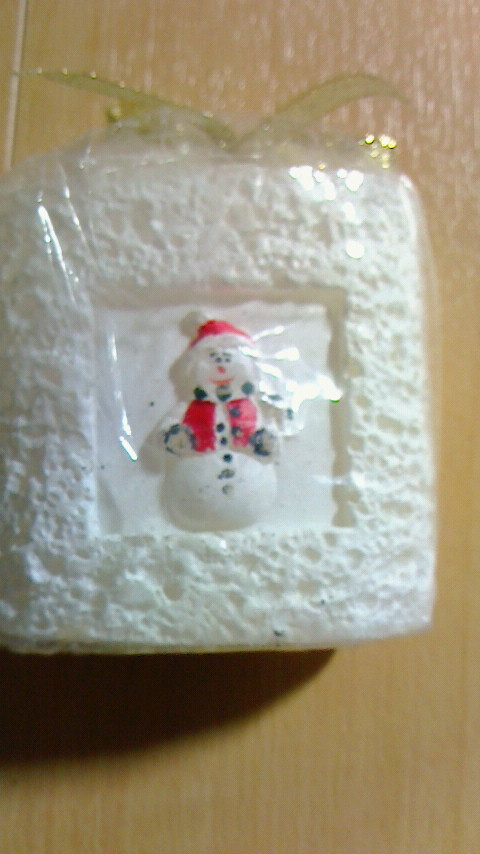 今年はきれで決まり。クリスマス用 香り付き 大きなキャンドル サンタさん 雪だるま 170g_画像2