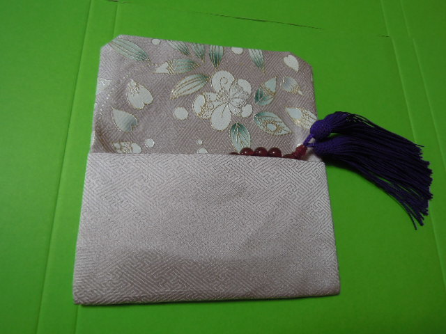 for women beads inserting (.. inserting ) light pink color ground * pretty small floral print * silk * handmade