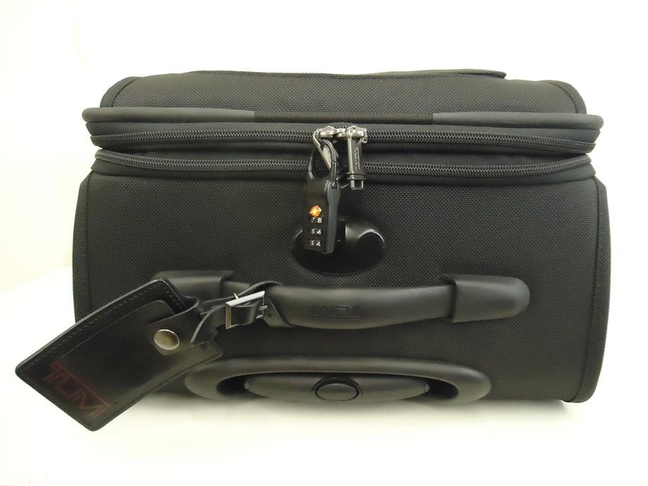 TUMI トゥミ ナイロン キャリーバッグ 黒 スーツケース トラベルバッグ ビジネスバッグ キャリーケース 旅行 2輪キャスター ブラック 良品_画像3