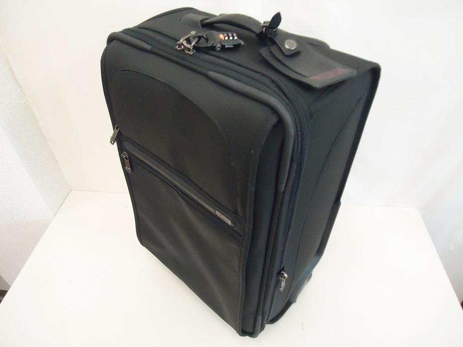 TUMI トゥミ ナイロン キャリーバッグ 黒 スーツケース トラベルバッグ ビジネスバッグ キャリーケース 旅行 2輪キャスター ブラック 良品