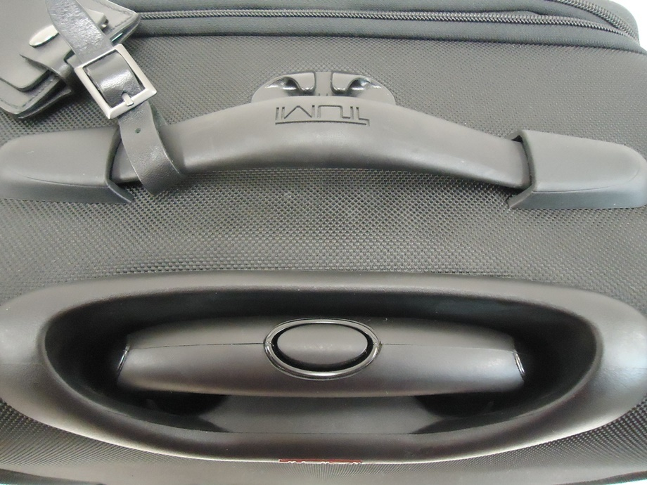 TUMI トゥミ ナイロン キャリーバッグ 黒 スーツケース トラベルバッグ ビジネスバッグ キャリーケース 旅行 2輪キャスター ブラック 良品_画像10