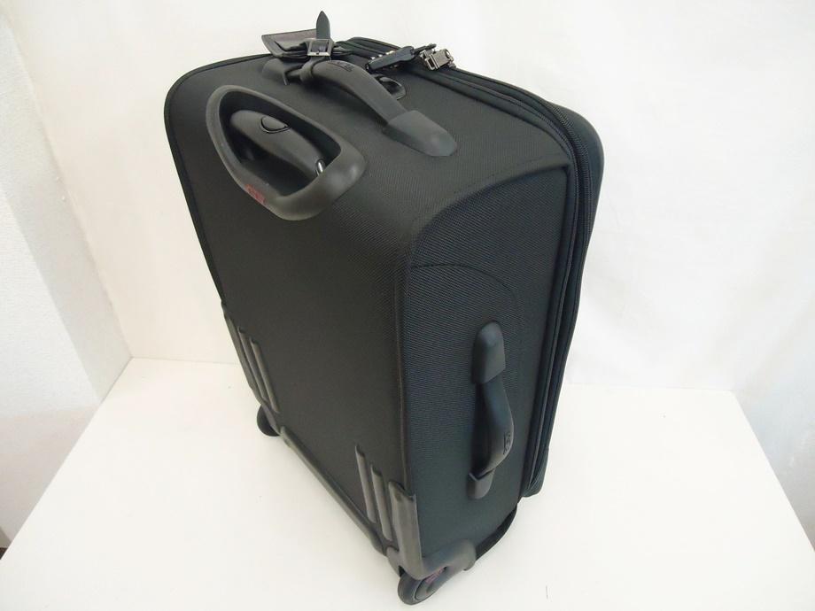 TUMI トゥミ ナイロン キャリーバッグ 黒 スーツケース トラベルバッグ ビジネスバッグ キャリーケース 旅行 2輪キャスター ブラック 良品_画像2
