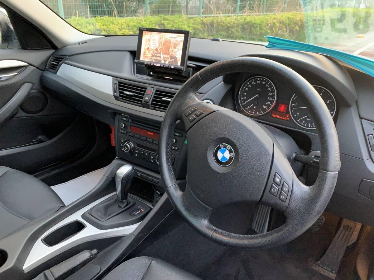 激安 22年 X1 Sドライブ レザーシート サンルーフ ワンオーナー 人気シロ 予備検 OK_画像9