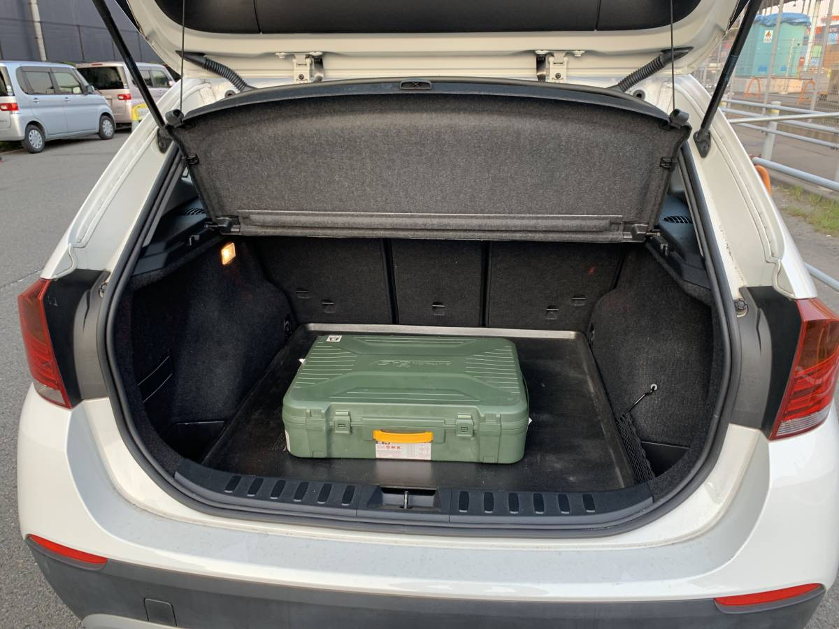 激安 22年 X1 Sドライブ レザーシート サンルーフ ワンオーナー 人気シロ 予備検 OK_画像8