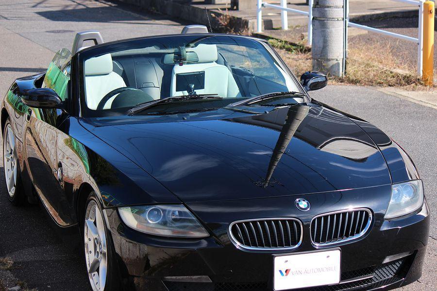 【電動オープン良好/後期型】E85/06y/BMW Z4 ロードスター2.5i/白レザー/18インチAW/外ナビ/TV/HID/6速AT/スペアキー/内外美車_電動オープン良好・黒幌