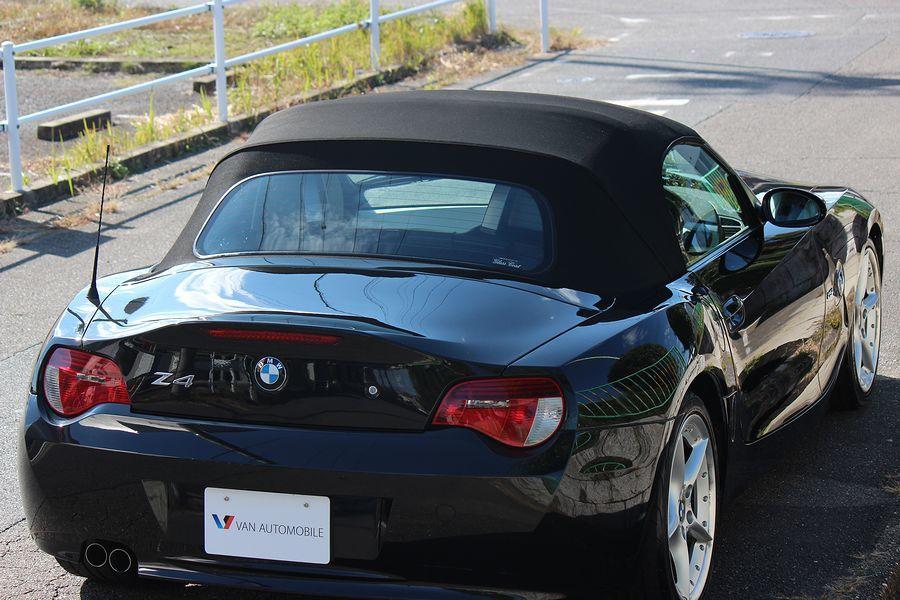 【電動オープン良好/後期型】E85/06y/BMW Z4 ロードスター2.5i/白レザー/18インチAW/外ナビ/TV/HID/6速AT/スペアキー/内外美車_ヘッドライトやエンブレム等も綺麗です!!