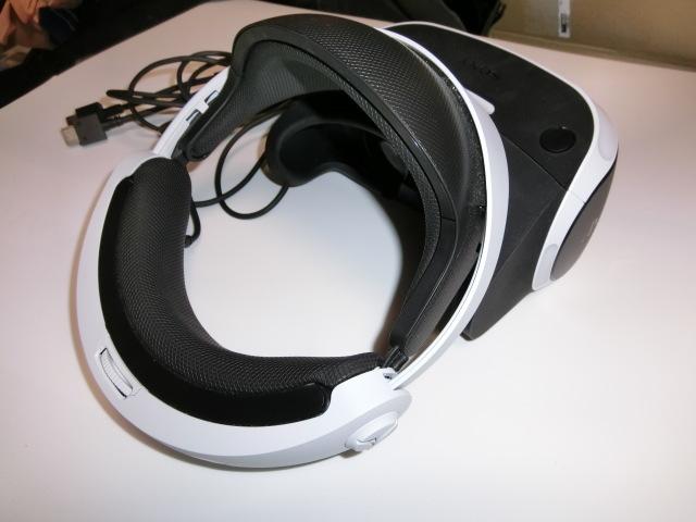 PS4 VR、カメラ 同梱版 保証期間内!_画像3