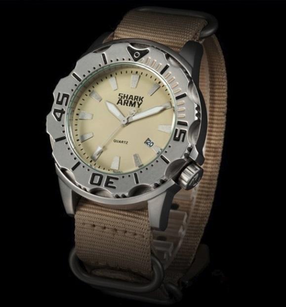 SHARK ARMY シャークアーミー 100m防水 本格ダイバーズウォッチ MIYOTA クォーツ ビッグフェイス モンスター級! No! 腕時計拍卖