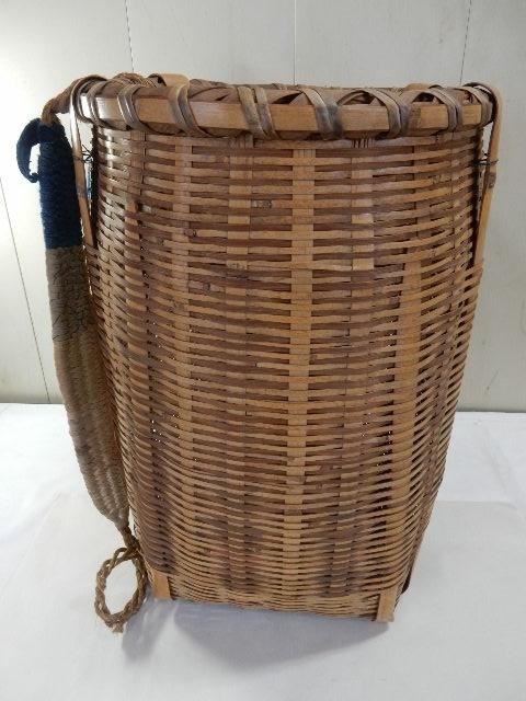 竹製 籐製? 背負い籠 中古 (43×37×50cm) 古民具 農家 農作業 カゴ 大型 レトロ_画像2