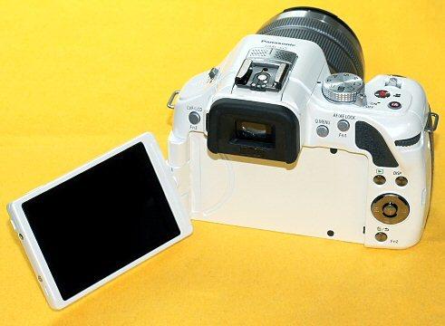 ★一発即決★Panasonic LUMIX DMC-G5★純正レンズ&16GB付★最新ファームウェア★ミラーレス★_液晶画面は結構キレイな方かと。回転します