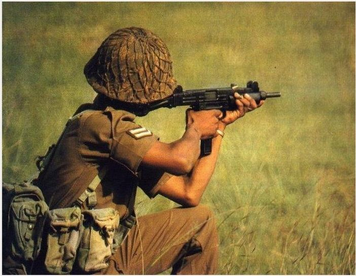 実物 南アフリカ・ローデシア軍 オタン OTAN M51 ヘルメット 特殊部隊越境作戦 SAS 傭兵 セルーススカウト カバー・ネット残存_画像10
