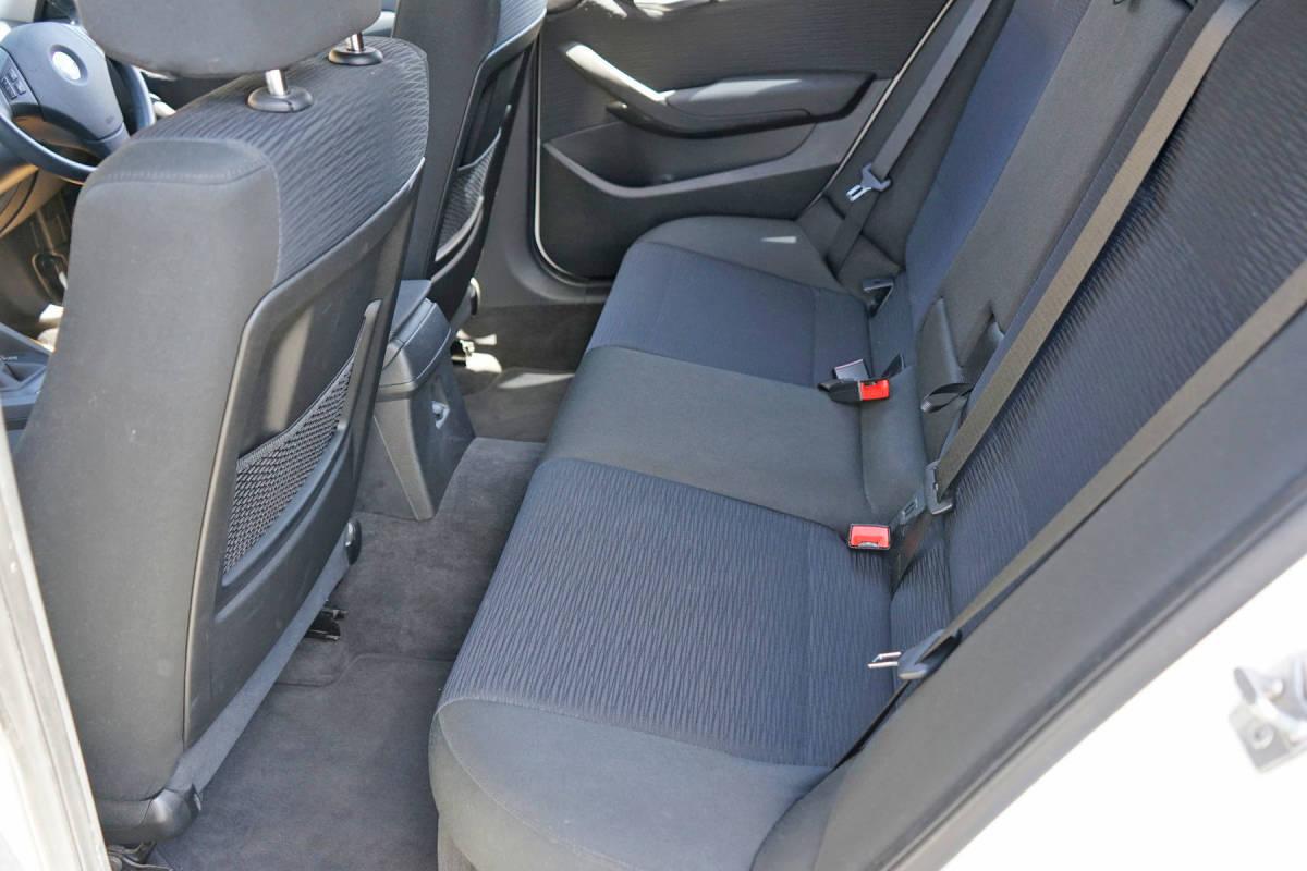 美車 BMW X1 sDrive18i Xライン 純正i-driveナビ 23年 車検32年8月 実走行9.9万キロ 修復歴なし 禁煙車 売切り _画像9