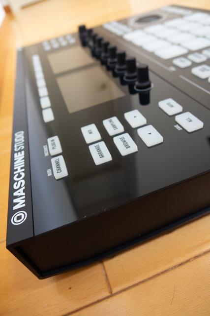 【1円~】【美品】Native Instruments MASCHINE STUDIO + 4 Expansions(拡張音源)【元箱あり、完品】_画像2