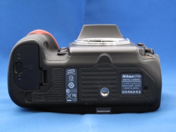 【ニコン】 D700 ボディ ジャンク品 純正バッテリー(EN-EL3e)2個・充電器(MH-18a)+ACコード付!_画像3