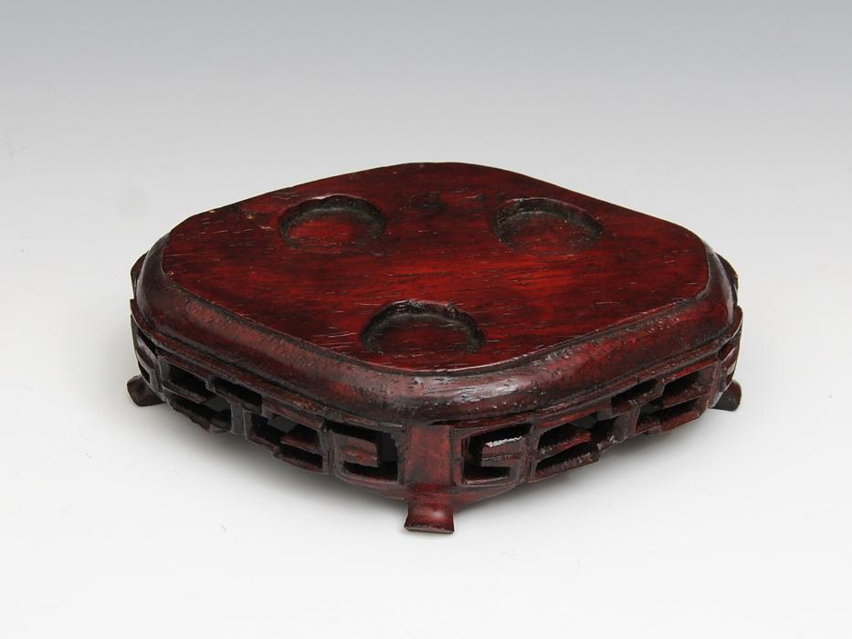 中国美術 玉製 獣耳遊環 三つ足香炉 重:568g 翡翠 白玉 古玩 唐物 香道 台付 布箱付き 美品 その他  b4895s_画像6