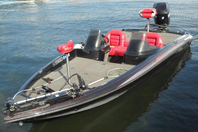 97年式 RANGER BOATS レンジャー バスボート 20フィート