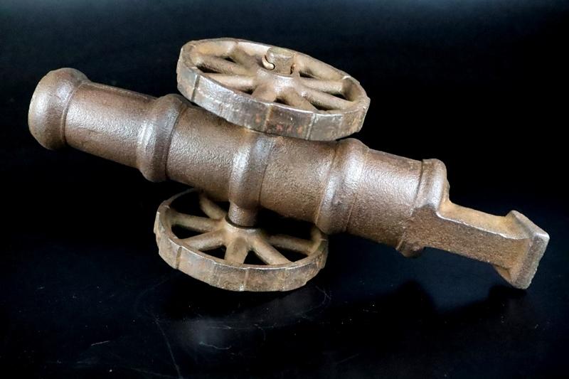 鉄製大型 大砲 丸に十字 薩摩島津紋 4.5kg 車輪付砲台 コレクター放出品_画像7