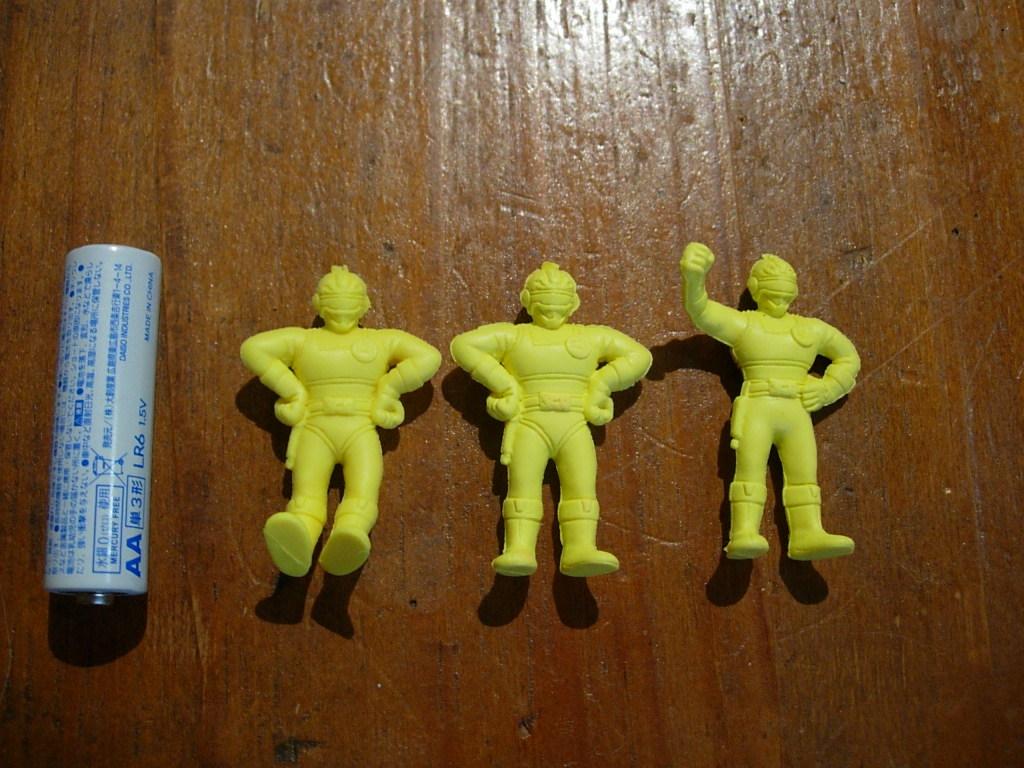 【J】当時物 電撃戦隊チェンジマン 消しゴム人形 3体まとめて_画像1