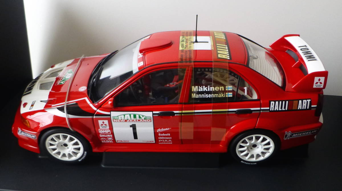 オートアート 1/18 三菱 ランサーエボリューション VI WRC 1999 #1 トミ・マキネン ラリーニュージーランド優勝車 _画像2